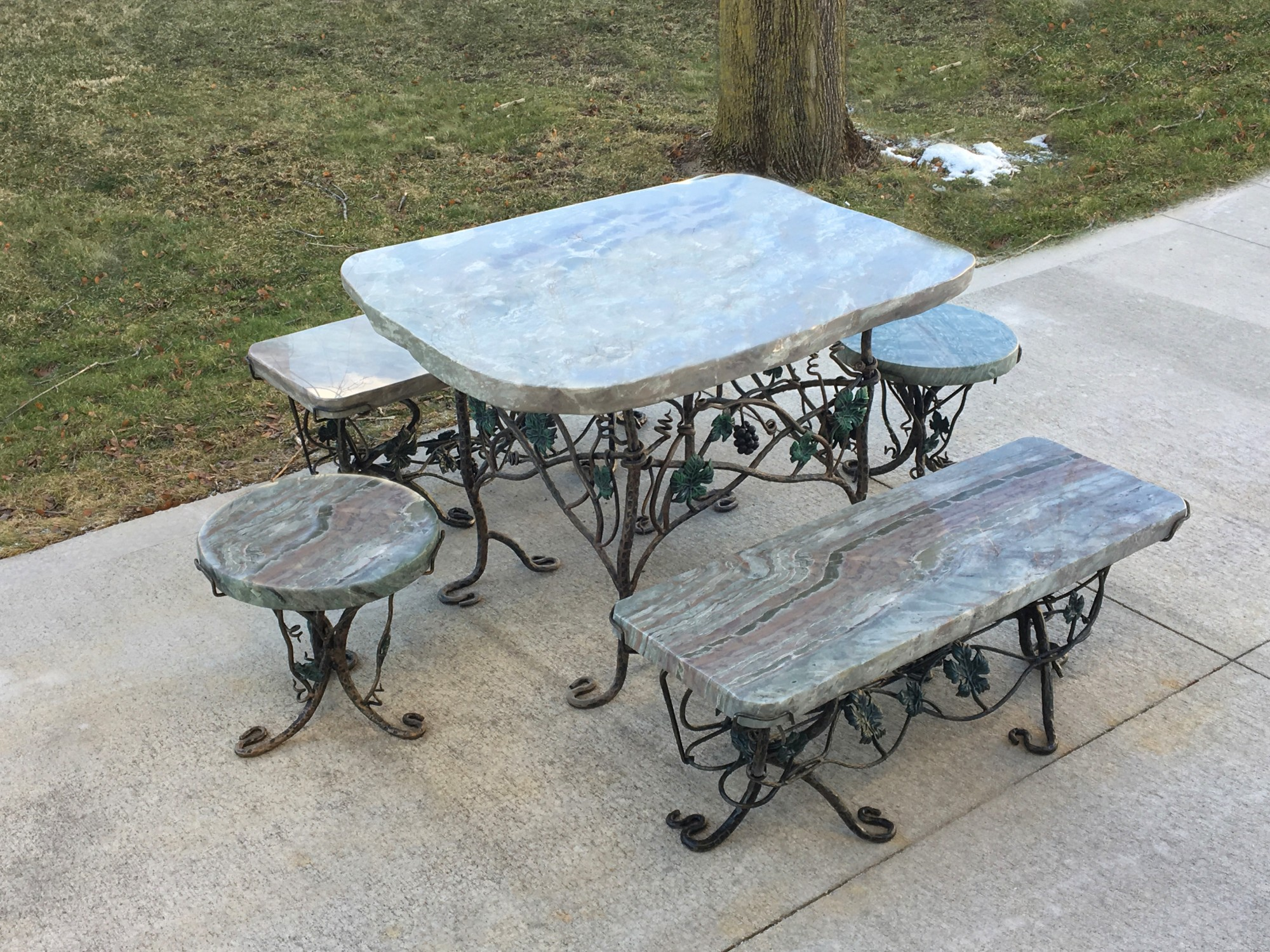 Tropical Storm Table Set