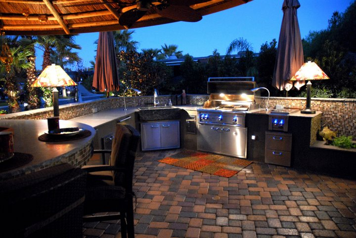 Outdoor kitchen sink stone age creations for Great outdoor kitchen ideas